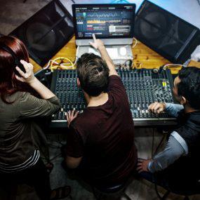 Sistema de sonorização para ambientes: o que preciso saber?
