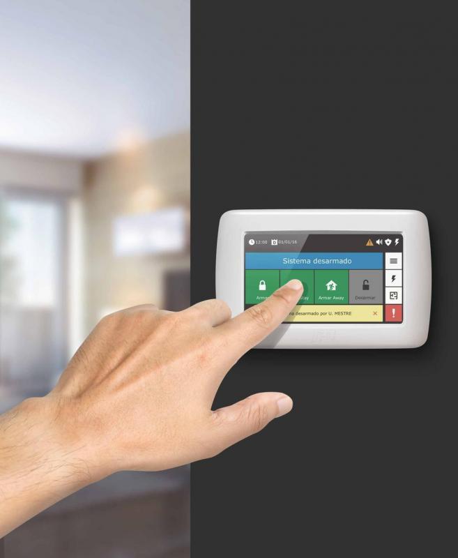 Instalação de sistema de alarme residencial